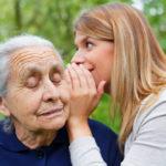 老人性難聴は認知症のリスク・専門医がお伝えする早めの対処方法とは