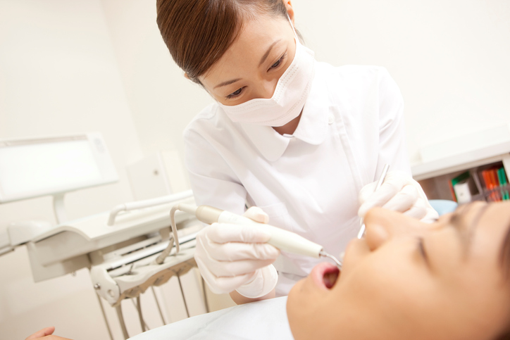 Men subjected to dental hygiene and therapy