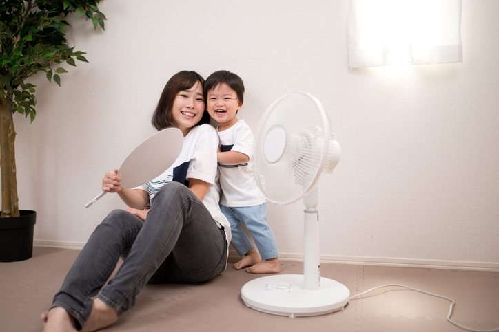 hot summer image of mother and child