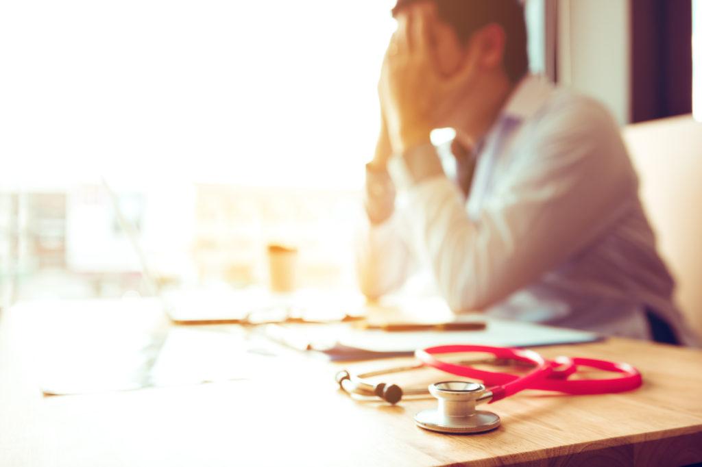 映画「レナードの朝」を脳神経内科医が解説・現代医学ではどうなる?