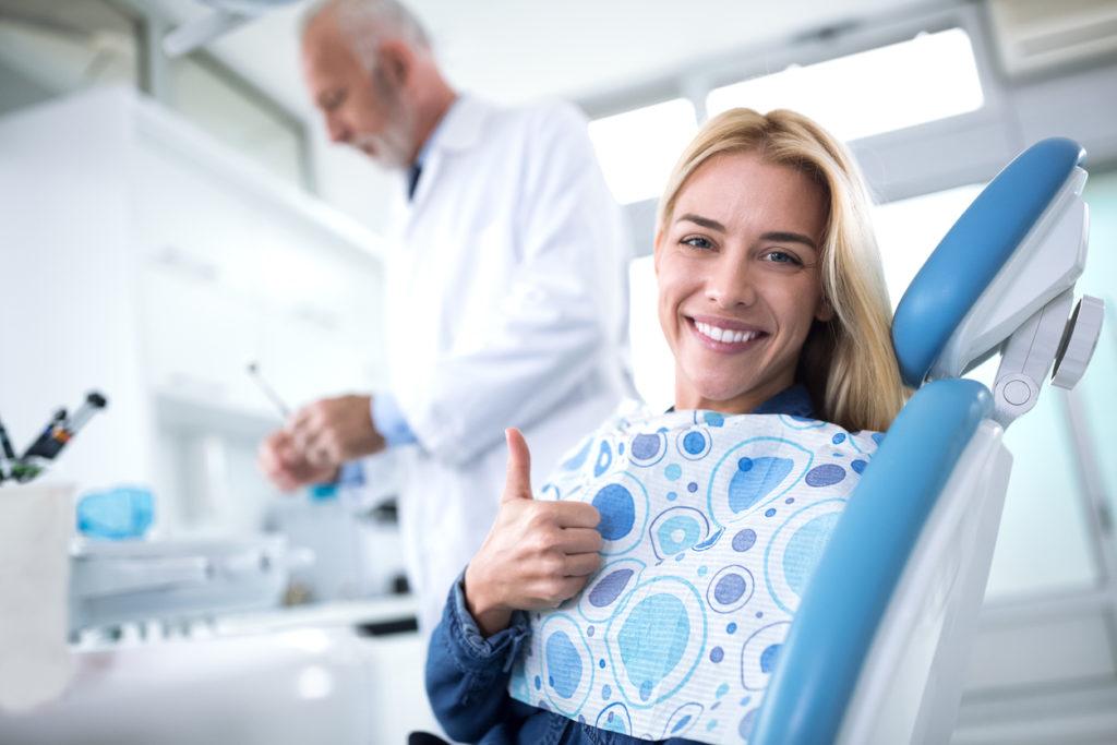 人生の後悔を避けるには。歯科の自費(保険外)治療がお勧めの理由