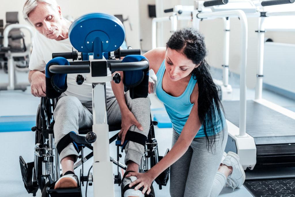 手足が動かない…緊急か様子見か?専門医が教える麻痺見極めの全知識