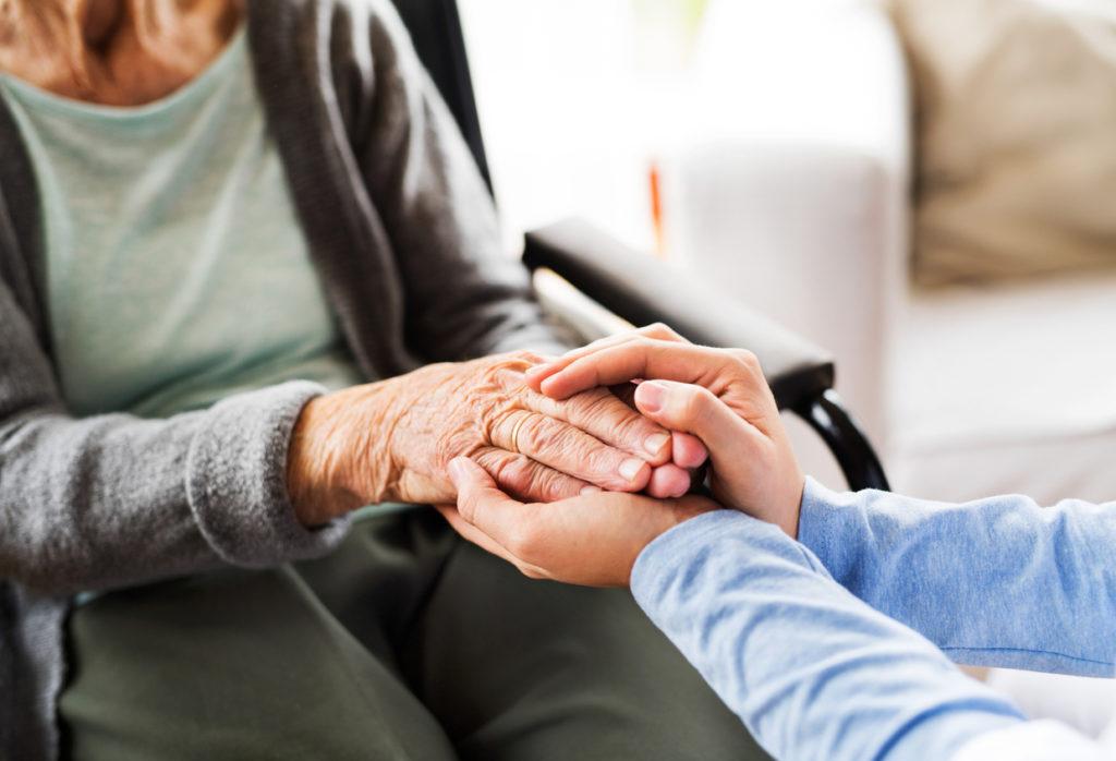 脊髄損傷における医療、介護、公的補助の具体手順をFP専門医が解説