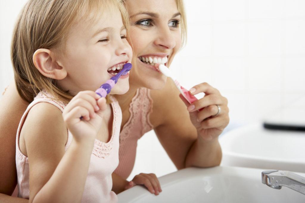 総合内科専門医が断言、インフルエンザ予防のためには歯を磨け!