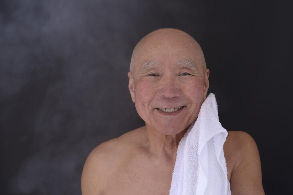 認知症患者さんが入浴を嫌がる理由と対策を専門医が解説