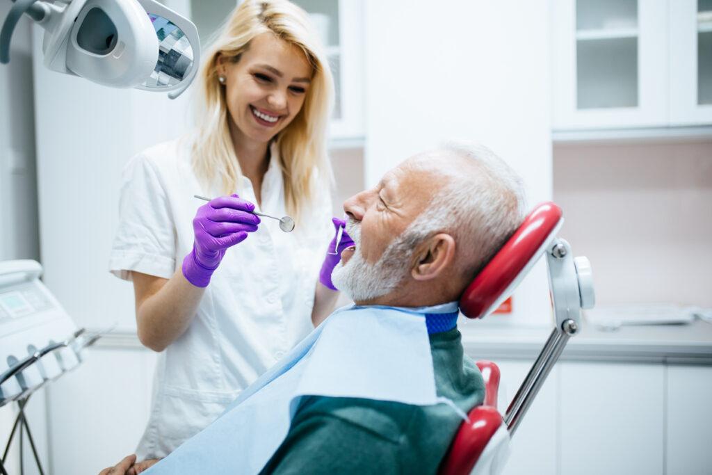 週刊誌の見出しに惑わされてはいけない!・・歯科受診の重要性を専門医が解説