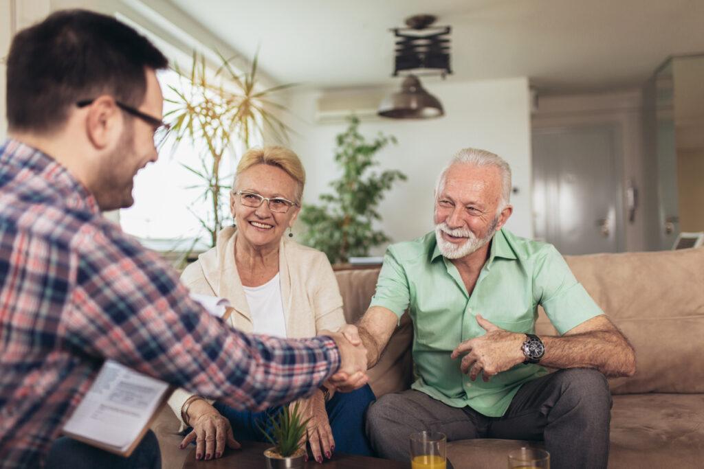FP資格認知症専門医が解説・成年後見制度と家族信託どっちが良い?