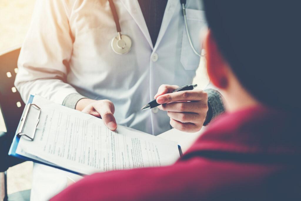 介護保険サービス利用時の健康診断書 何回書けばよいの!?