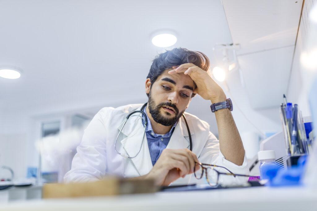 33時間労働もザラ?医師こそ働き方改革を導入しよう