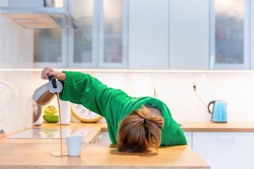 「寝落ち」は寿命を縮める!ついしてしまう悪習慣のリスクを解説