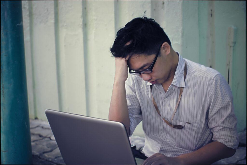 「頭痛に至らない前兆のみの片頭痛」とは?脳神経内科専門医も経験する症状を解説