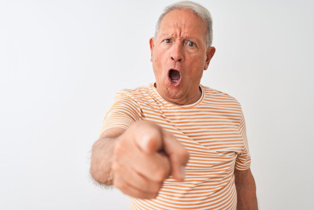 高齢者の自粛警察は、早期認知症が原因の可能性もある?【専門医が指摘】