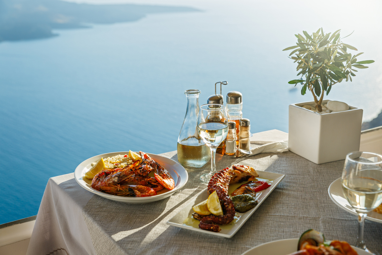 Dinner for two with fish dishes and white wine