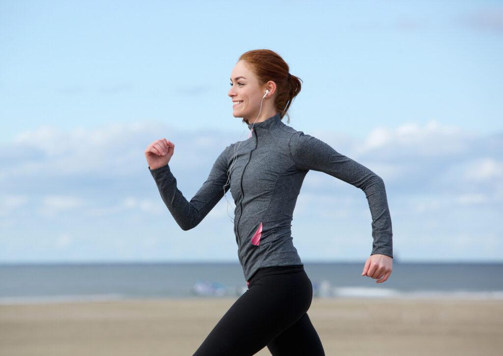 スマホまかせにしない!健康に寄与する万歩計のメリットと効果的な使い方